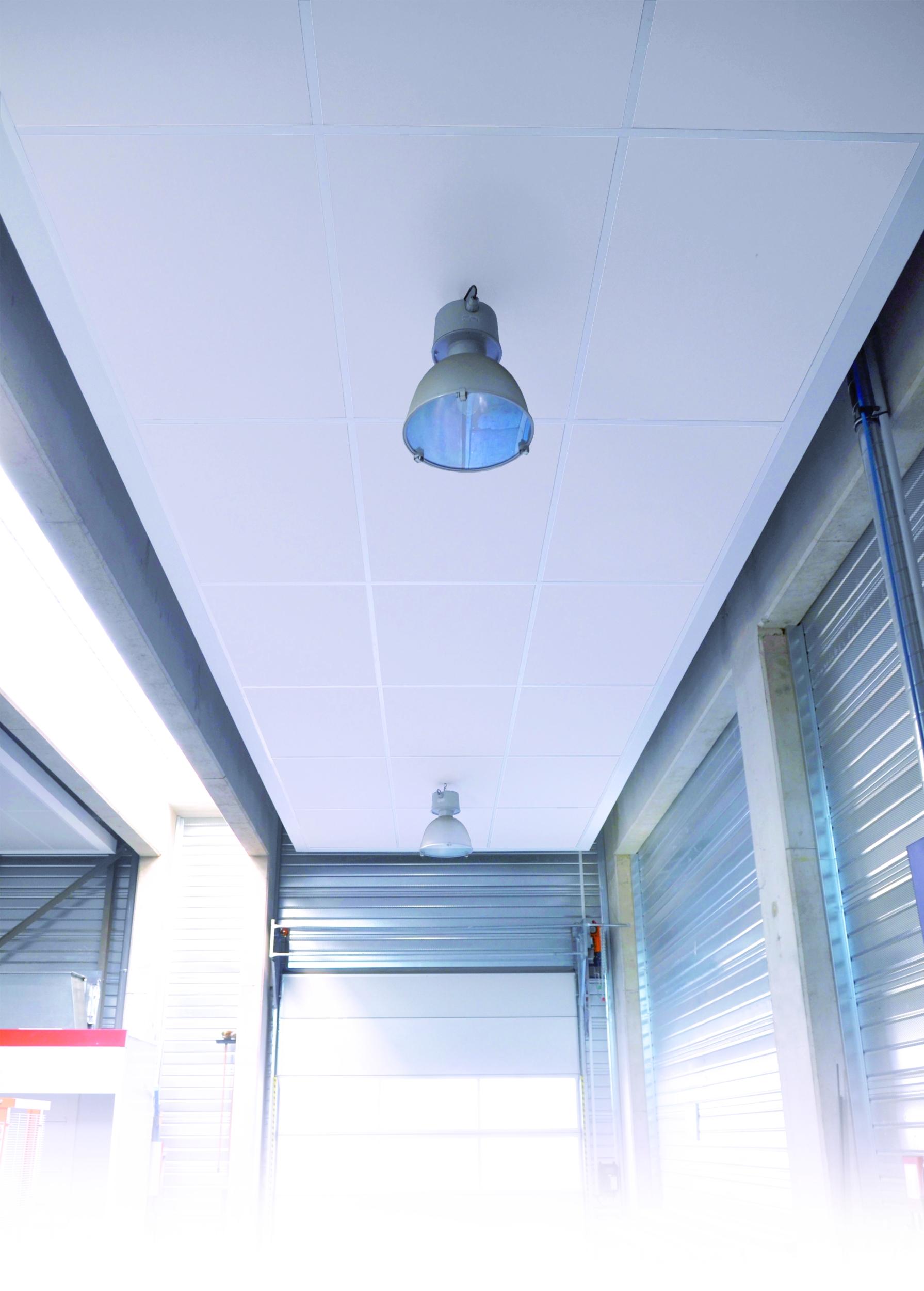 Faux Plafond Suspendu En Dalles Isolantes plafonds modulaires en laine de roche | eurocoustic saint-gobain